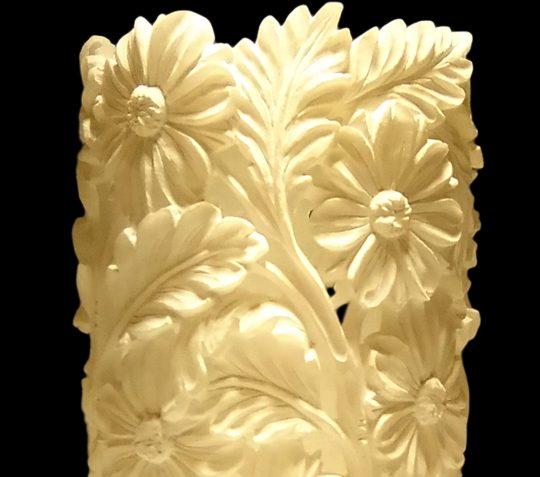 Vaso_ornamentale_alabastro_bianco_fiori